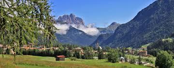 Prenota all'hotel Monzoni a Val di Fassa!